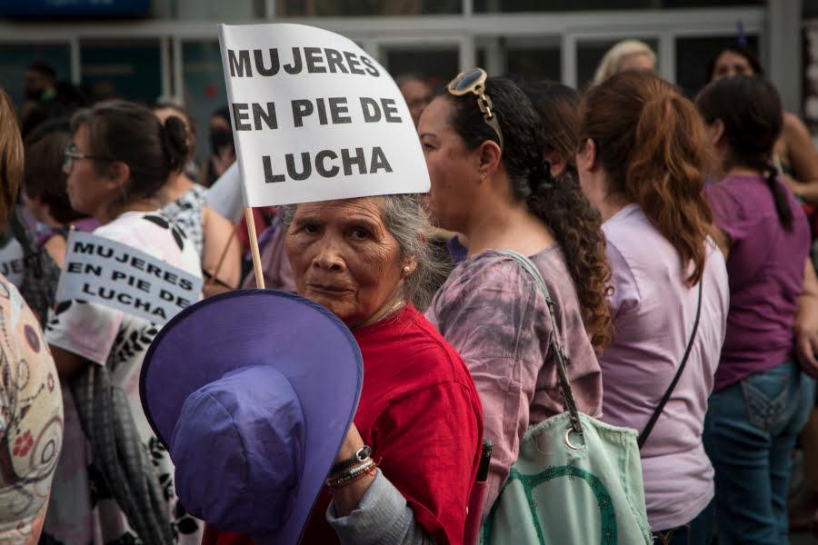 mujeresenpiedelucha_CesarMartinez