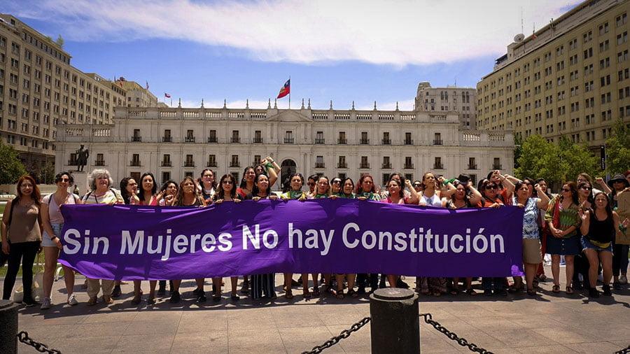 Chile: feministas están presentes en la nueva Constitución